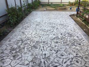 Печатный бетон в загородном доме